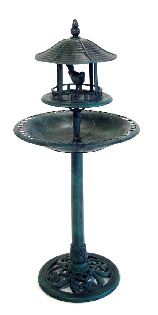 Fontaine abri pour les oiseaux du jardin